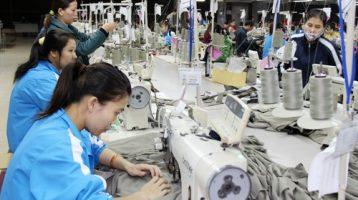 Xưởng may quần áo trẻ em giá rẻ – jean, váy, balo